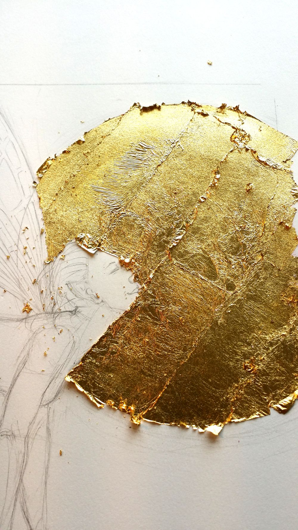 Surface covered with gold leaf